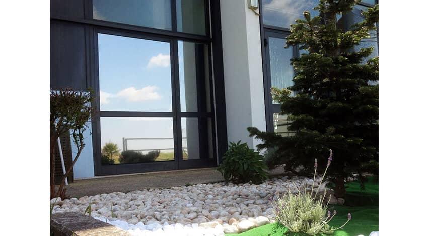 Vetrofanie e pellicole per vetri - Pellicola a specchio per finestre ...
